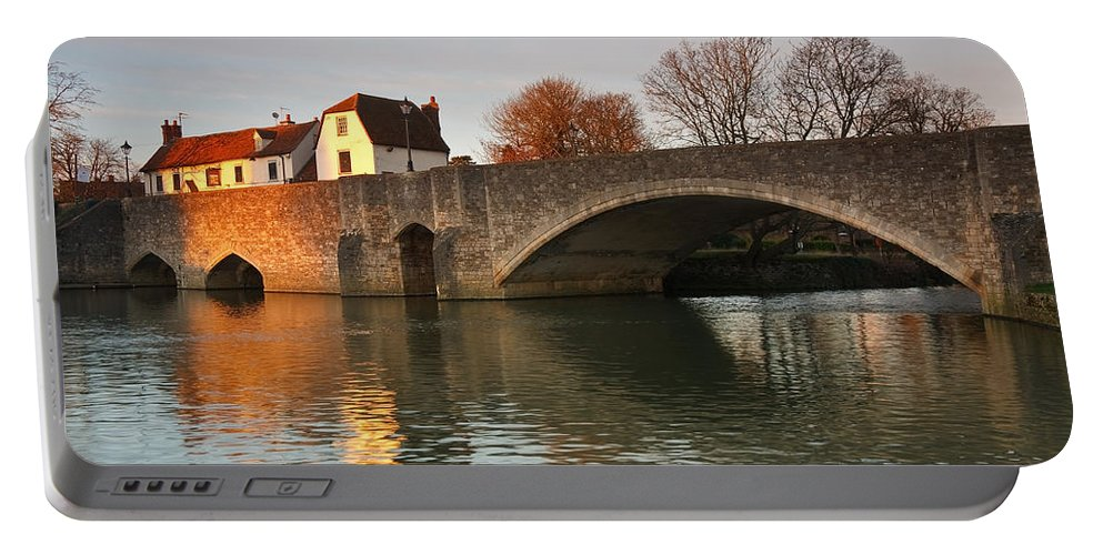 Great Britain Portable Battery Charger featuring the photograph Thames In Abingdon by Milan Gonda