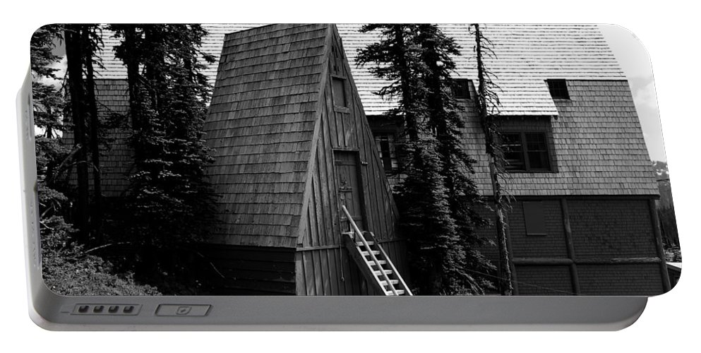 Guide House Portable Battery Charger featuring the photograph The Guide House At Paradise by David Lee Thompson