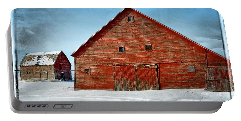 Idaho Portable Battery Charger featuring the photograph The Red Barn by Image Takers Photography LLC - Carol Haddon