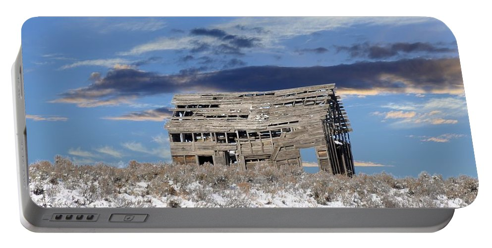 Idaho Portable Battery Charger featuring the photograph The Shack by Image Takers Photography LLC - Laura Morgan