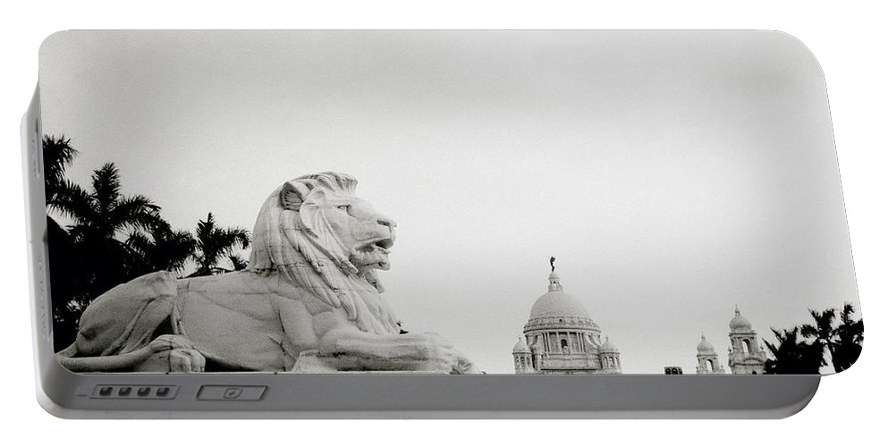Lion Portable Battery Charger featuring the photograph The Victoria Memorial In Calcutta by Shaun Higson
