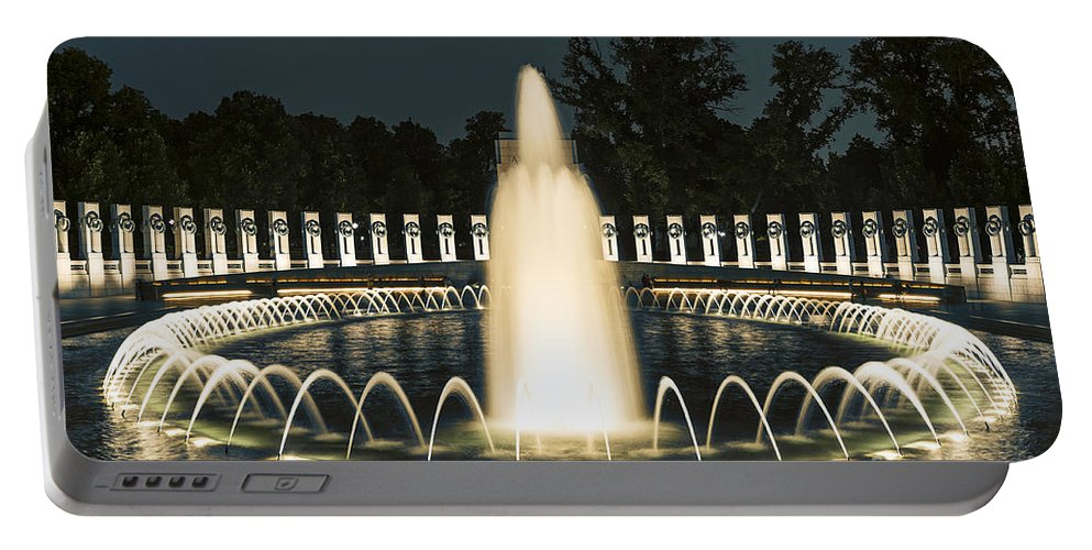 America Portable Battery Charger featuring the photograph The World War II Memorial by John Greim