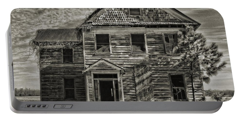 Victor Montgomery Portable Battery Charger featuring the photograph This Old House 3 by Victor Montgomery