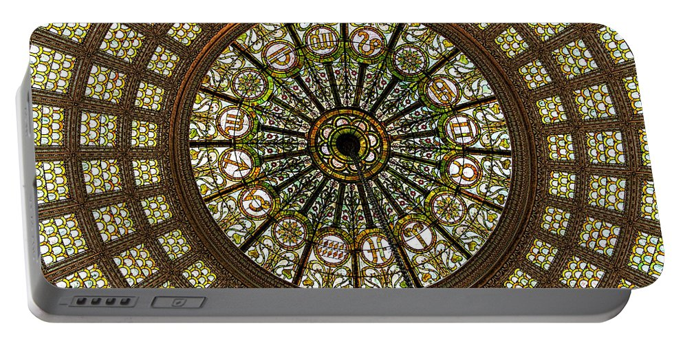 Tiffany Dome Portable Battery Charger featuring the photograph Tiffany Dome Chicago Cultural Museum by Eleanor Abramson
