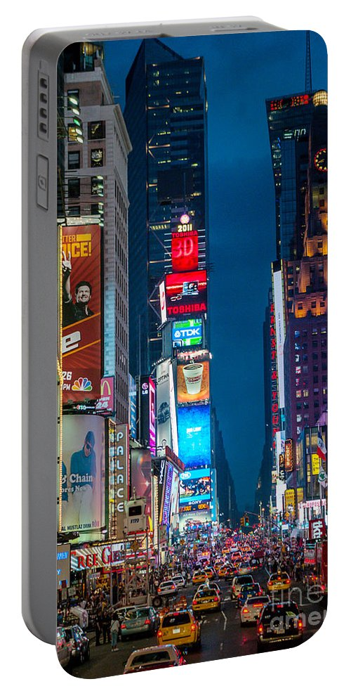 New York City Portable Battery Charger featuring the photograph Times Square I by Ray Warren