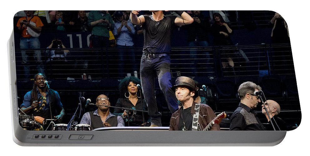 Nashville Portable Battery Charger featuring the photograph To The 10th by Jeff Ross