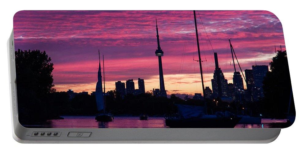 Toronto Portable Battery Charger featuring the photograph Toronto Skyline - The Boats Are Coming In by Georgia Mizuleva