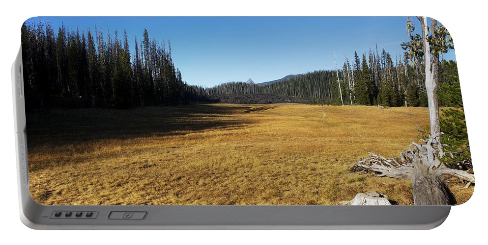 Nature Portable Battery Charger featuring the photograph Towards Hand Lake And Mt Jefferson by Belinda Greb