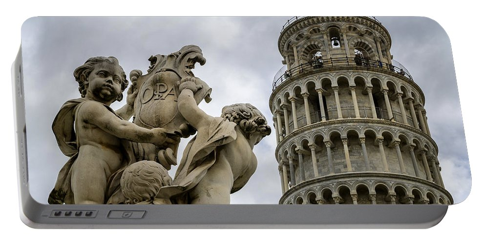 Tower Portable Battery Charger featuring the photograph Tower Of Pisa by Pablo Lopez