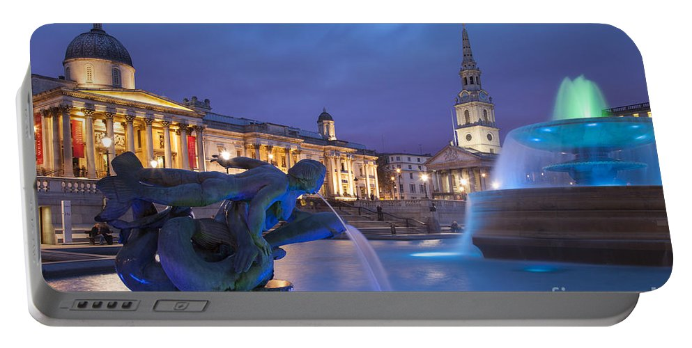 Britain Portable Battery Charger featuring the photograph Trafalgar Square by Brian Jannsen