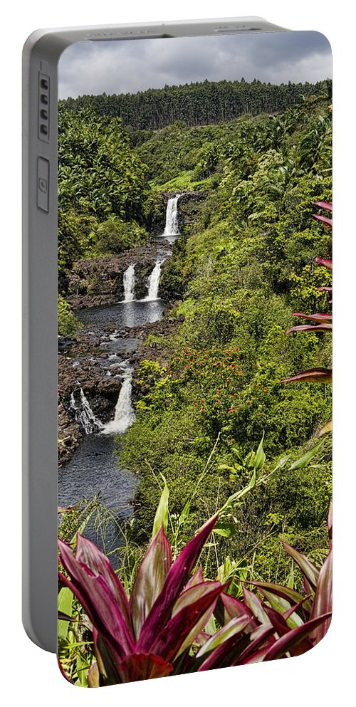 Umauma Falls Portable Battery Charger featuring the photograph Umauma Falls by Mike Herdering
