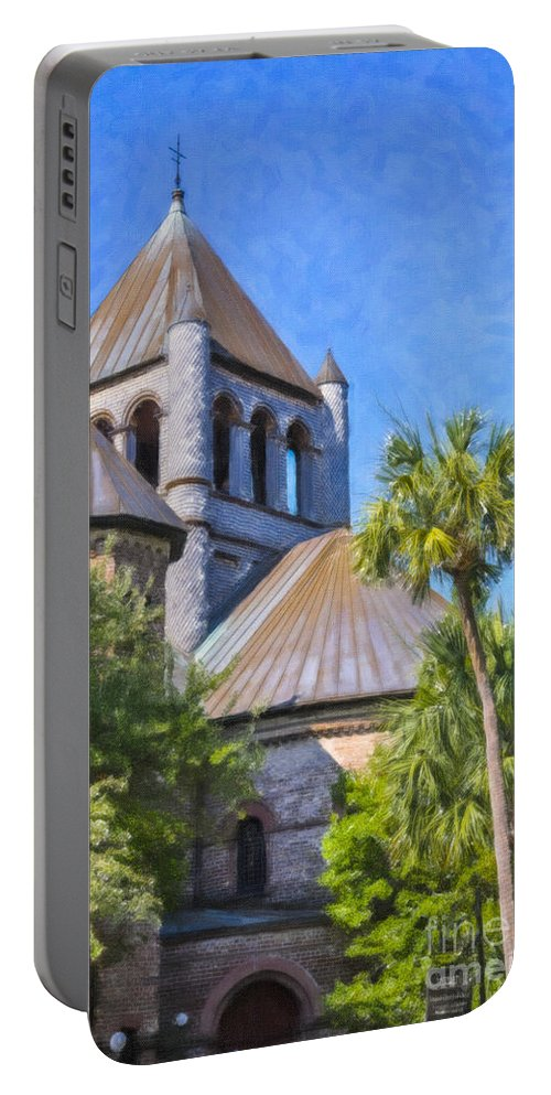 Circular Congregational Church Portable Battery Charger featuring the photograph United Church Of Christ by Dale Powell