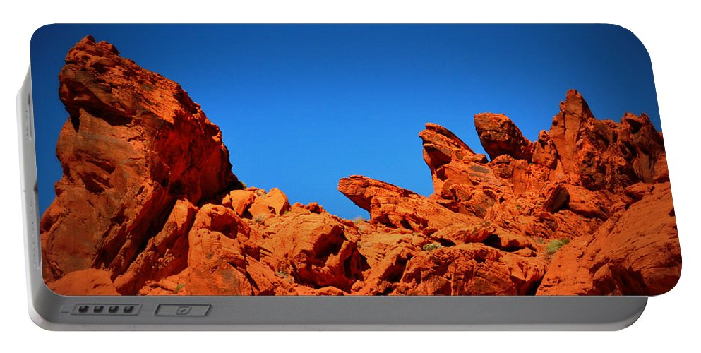 Portable Battery Charger featuring the photograph Valley Of Fire Nevada Desert Rock Lizards by Katy Hawk