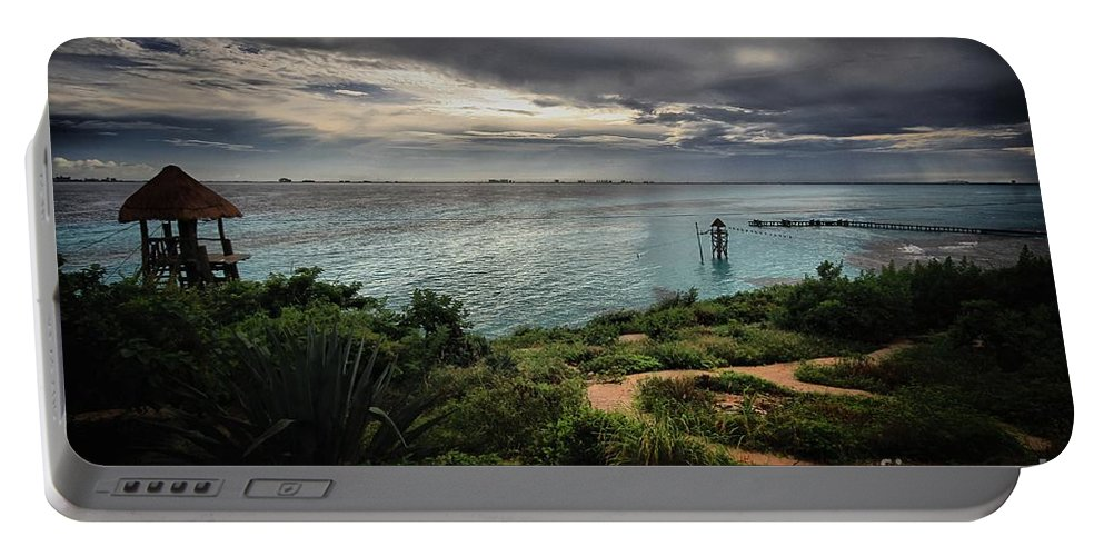 Landscape Portable Battery Charger featuring the photograph View Wit A Room by Robert McCubbin