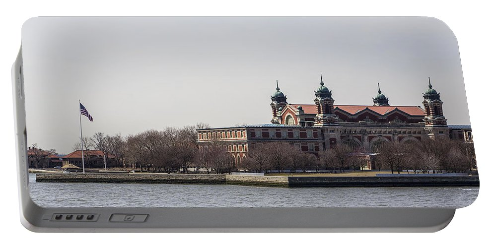 New York City Portable Battery Charger featuring the photograph Waterfront 2 by Angus Hooper Iii