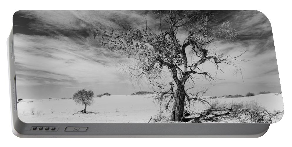 White Sands Portable Battery Charger featuring the photograph White Sands National Monument 1 Light Mono by Gareth Burge Photography