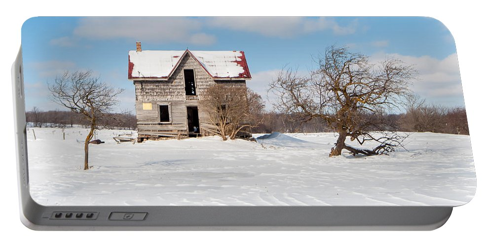Winter Portable Battery Charger featuring the photograph Winter Abandoned Farmouse by Richard Kitchen