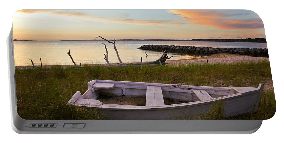 Sunset Portable Battery Charger featuring the photograph Yorktown Beach Sunset by Amy Jackson