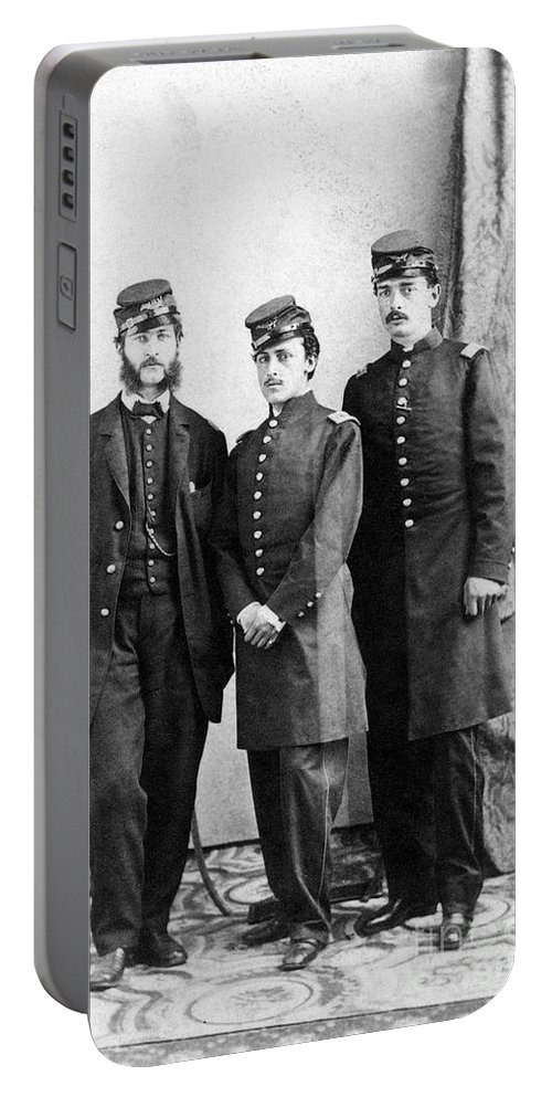 America Portable Battery Charger featuring the photograph Civil War: Union Soldiers by Granger