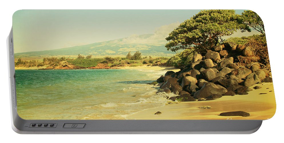 Aloha Portable Battery Charger featuring the photograph Sprecks by Sharon Mau