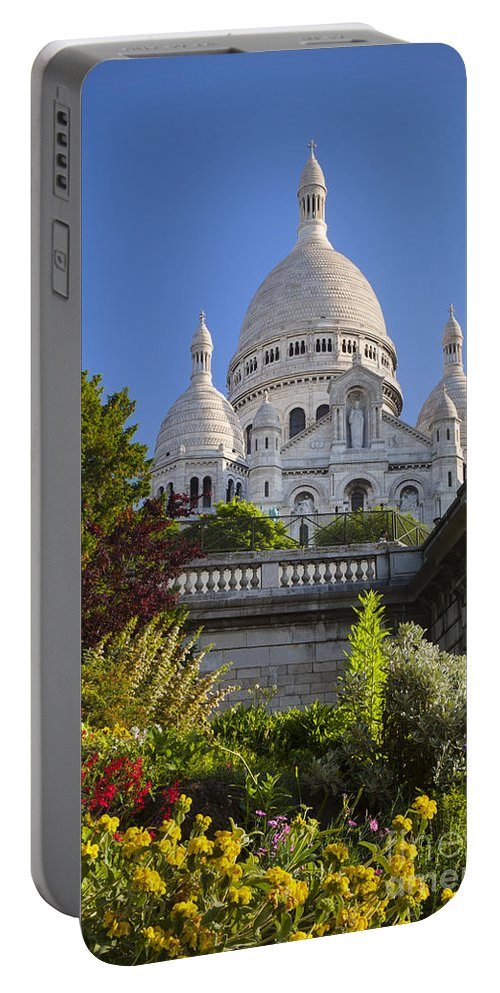 Architectural Portable Battery Charger featuring the photograph Basilique Du Sacre Coeur by Brian Jannsen