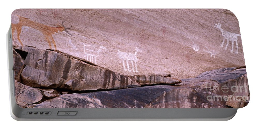 Antelope House Ruin Portable Battery Charger featuring the photograph Antelope House Petroglyphs by Bob Christopher