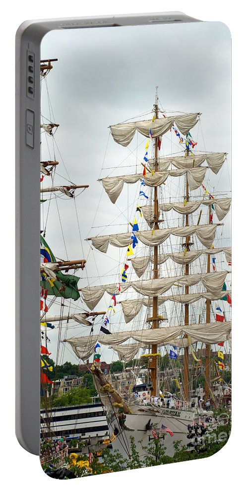 Baltimore Portable Battery Charger featuring the photograph Arm Cuauhtemoc 5 by Mark Dodd