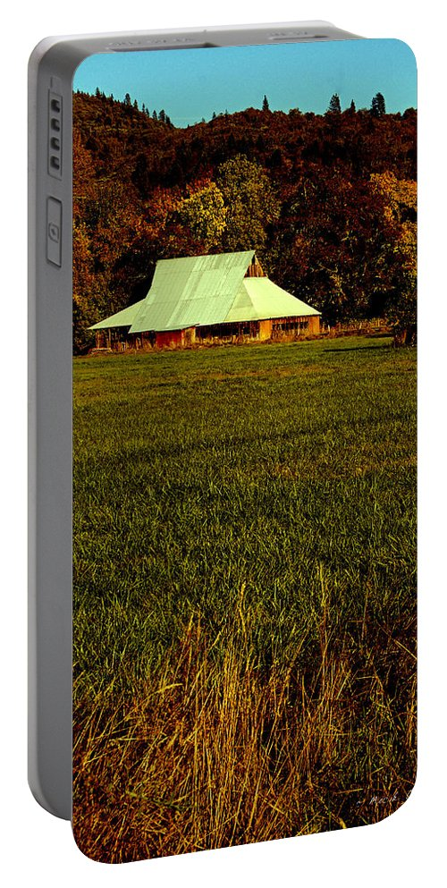 60s Portable Battery Charger featuring the photograph Barn In The Style Of The 60s by Mick Anderson