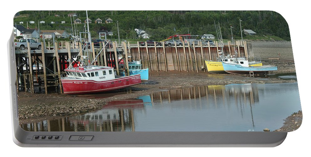 Ocean Portable Battery Charger featuring the photograph Bay Of Fundy - Low Tide by Ted Kinsman