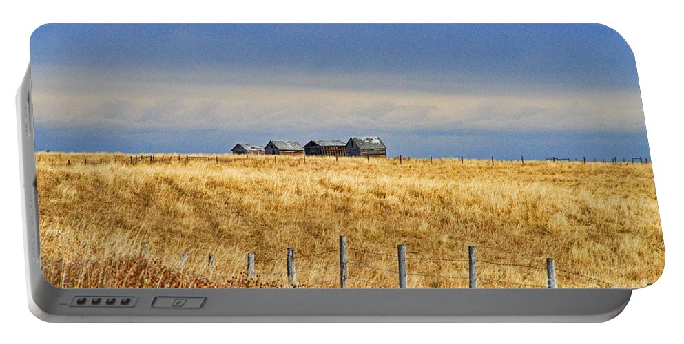 Landscapes Portable Battery Charger featuring the photograph Casc8479-11 by Randy Harris