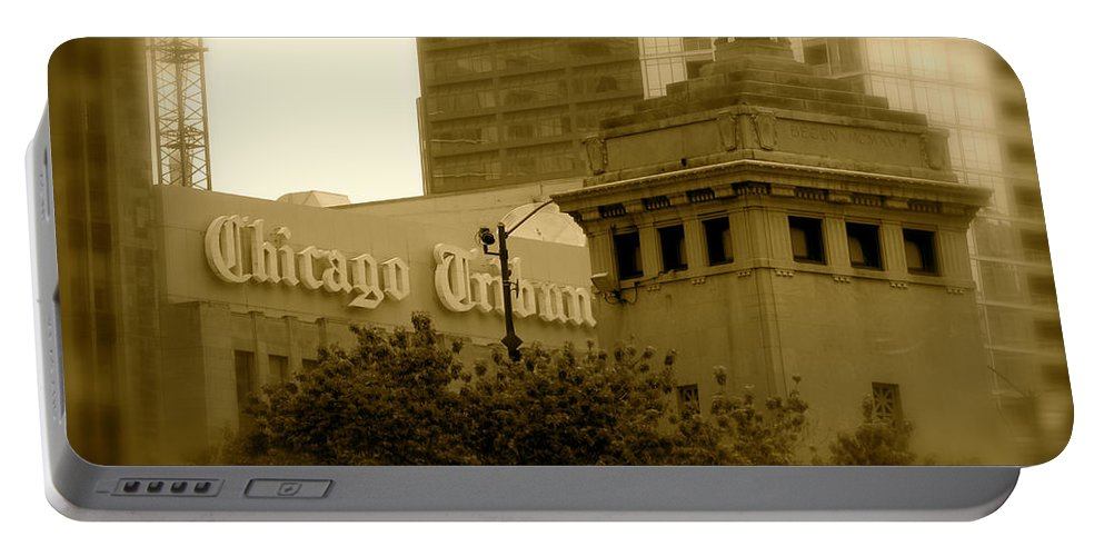 Chicago Portable Battery Charger featuring the photograph Chicago Impressions 7 by Marwan George Khoury