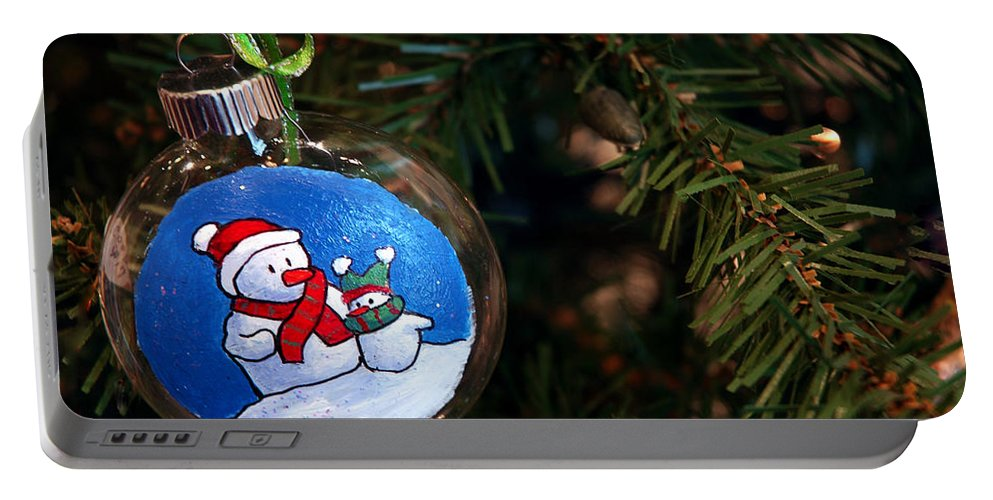 Usa Portable Battery Charger featuring the photograph Christmas Ornament by LeeAnn McLaneGoetz McLaneGoetzStudioLLCcom