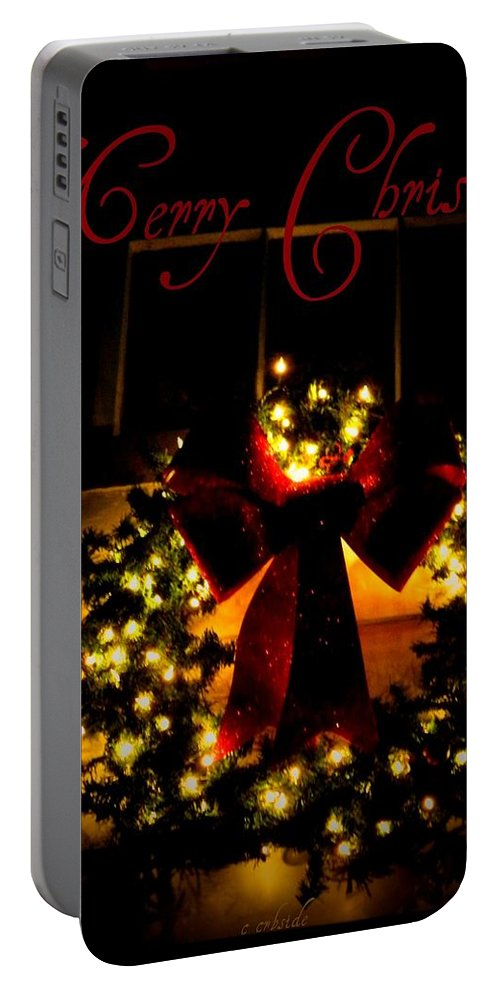 Cards Portable Battery Charger featuring the photograph Christmas Wreath by Chris Berry