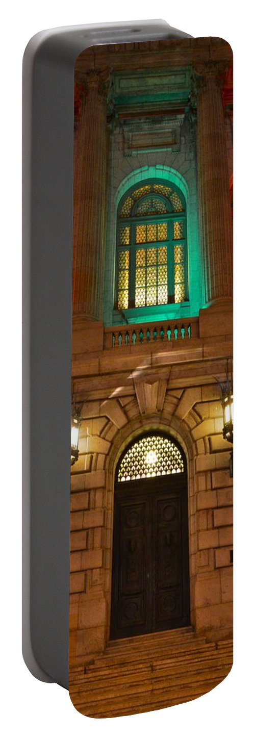 Night Portable Battery Charger featuring the photograph Cleveland Courthouse by Frozen in Time Fine Art Photography