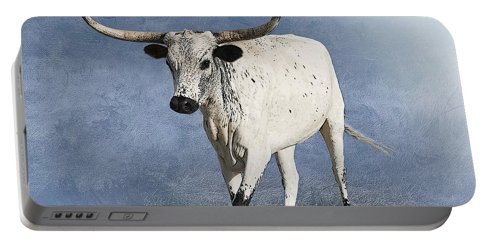 Texas Longhorn Portable Battery Charger featuring the photograph Coming Home by Betty LaRue