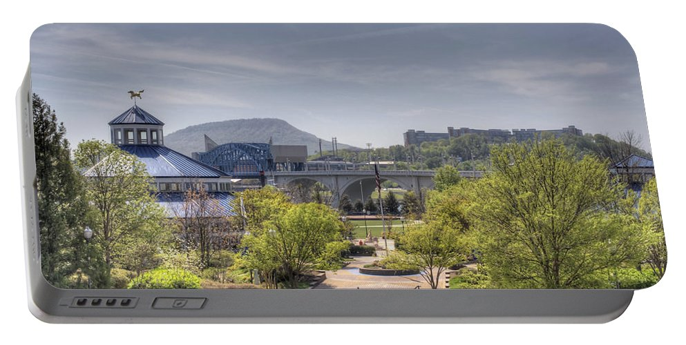 Chattanooga Portable Battery Charger featuring the photograph Coolidge Park by David Troxel