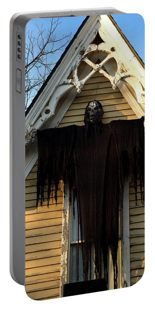 Usa Portable Battery Charger featuring the photograph Death Eater Ghoul by LeeAnn McLaneGoetz McLaneGoetzStudioLLCcom