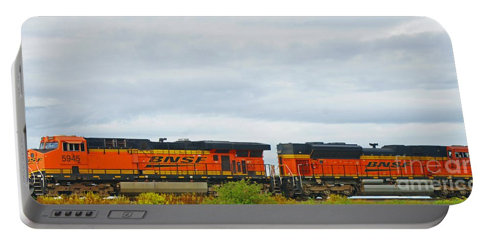 Trains Portable Battery Charger featuring the photograph Double Bnsf Engines by Randy Harris