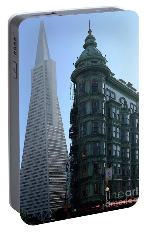 San Francisco Portable Battery Charger featuring the photograph Downtown San Francisco 2 by Bob Christopher