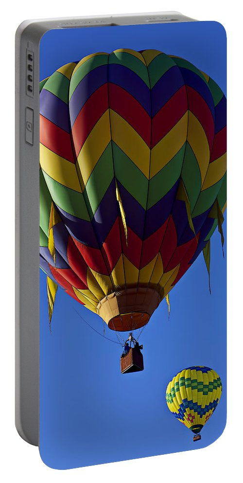 Hot Air Balloon Portable Battery Charger featuring the photograph Driffting On The Wind by Garry Gay