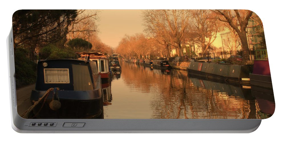 Little Venice Portable Battery Charger featuring the photograph Easy Afternoon by Jasna Buncic