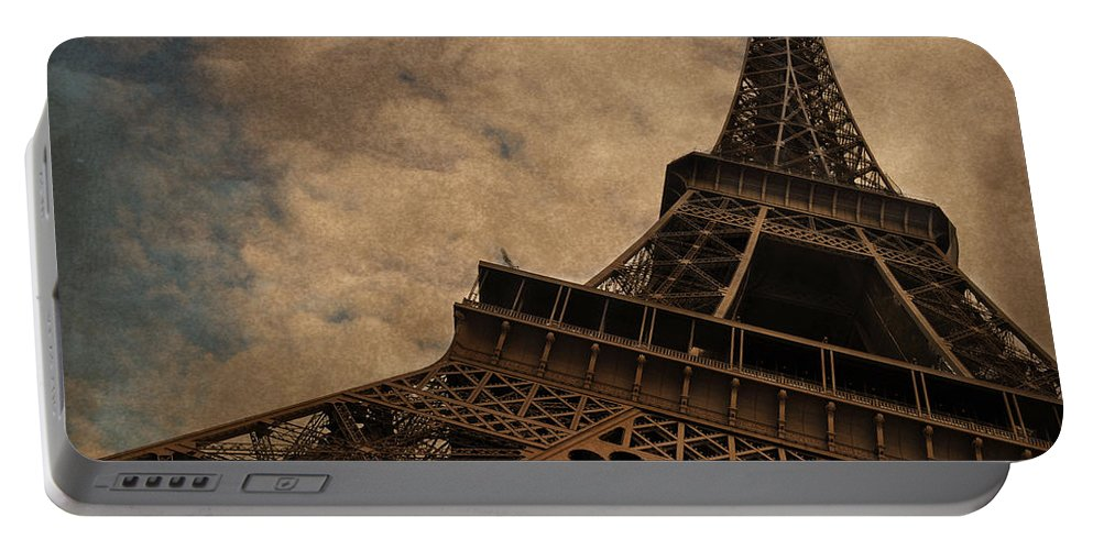 The Eiffel Tower Paris Portable Battery Charger featuring the photograph Eiffel Tower 2 by Mary Machare