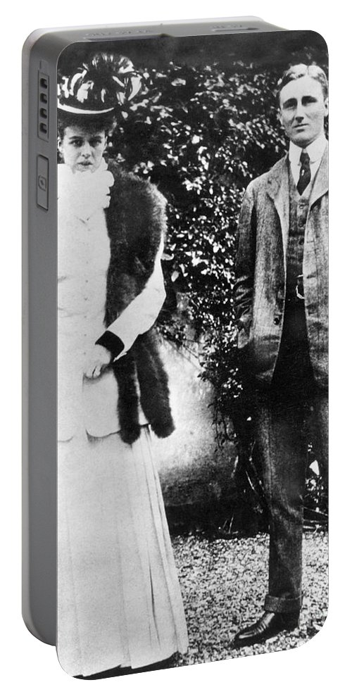 1905 Portable Battery Charger featuring the photograph Franklin Delano Roosevelt by Granger