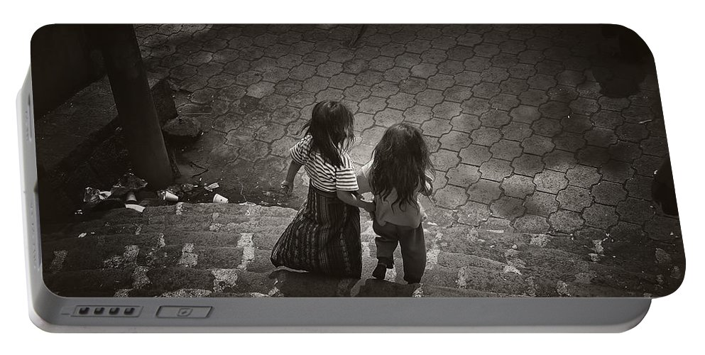 Girls Portable Battery Charger featuring the photograph Friends by Tom Bell