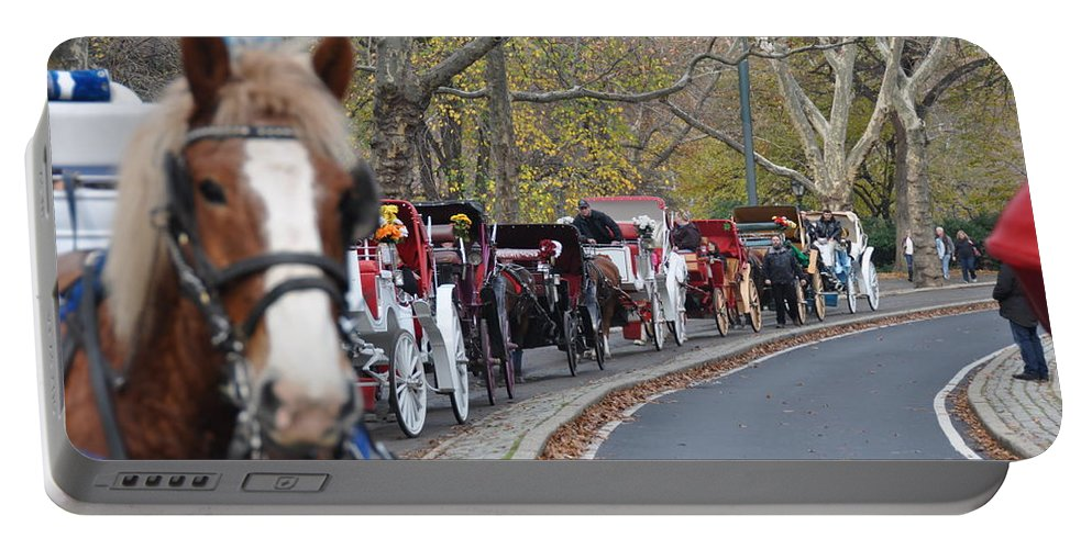 Nyc Portable Battery Charger featuring the photograph Horse-drawn Carriages by Rich Bodane