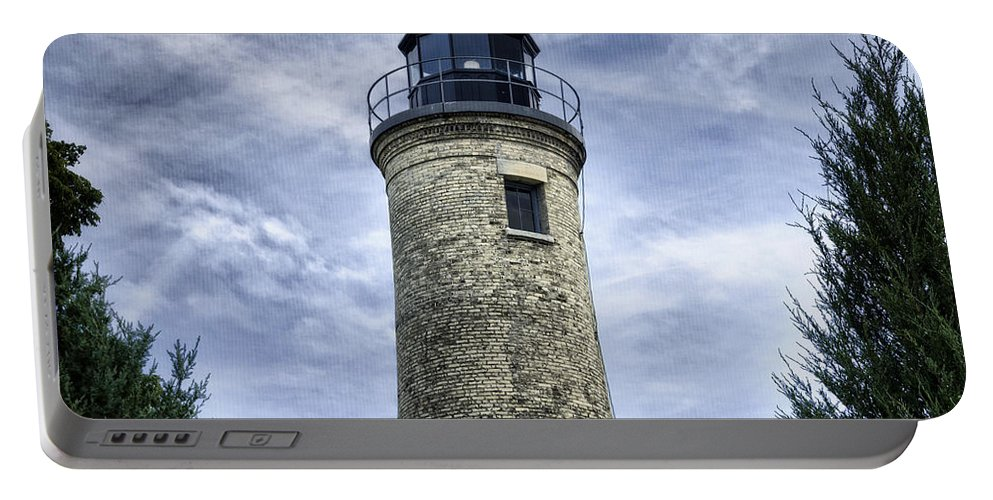 Aid Portable Battery Charger featuring the photograph Kenosha Southport Lighthouse by Joan Carroll