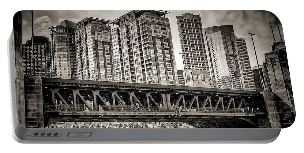 Chicago Portable Battery Charger featuring the photograph Lake Shore Drive Lsd by Scott Wood