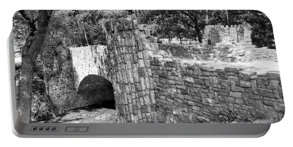 Lincoln Portable Battery Charger featuring the photograph Lincoln Bridge IIi by Ricky Barnard