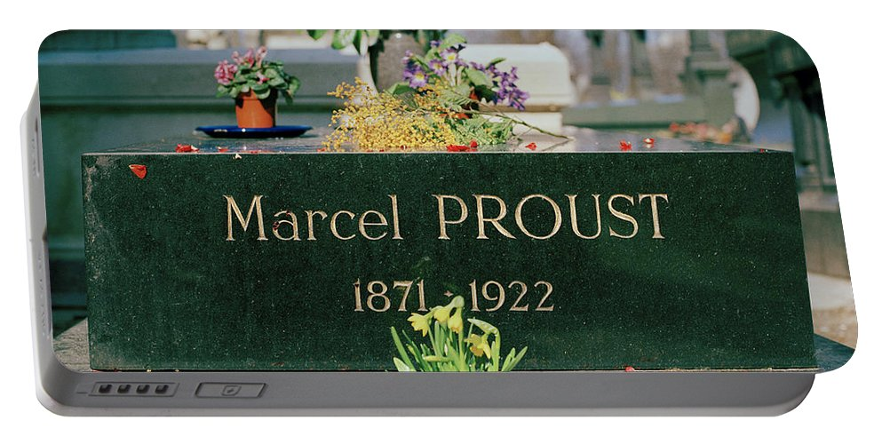 Pere Lachaise Portable Battery Charger featuring the photograph Proust by Shaun Higson