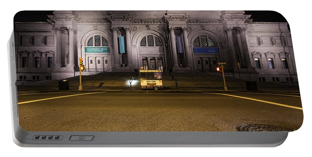 Metropolitan Portable Battery Charger featuring the photograph Metropolitan by Andrew Paranavitana